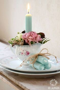 ♔ Floral and Candlelight Estilo Shabby Chic, Shabby Chic Style, Shabby Chic Decor, Candle Lanterns, Pillar Candles, Blue Candles, Bougie Candle, Photo Deco, Romantic Candles