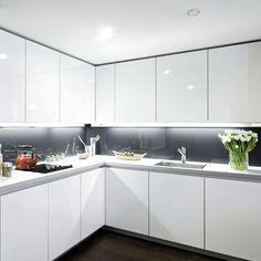 Under Cabinet Lighting Small Kitchen Design Interior Design Minimalist, Luxury Kitchen Design, Kitchen Room Design, Interior Modern, Luxury Kitchens, Home Decor Kitchen, Interior Design Kitchen, Home Kitchens, Kitchen Ideas
