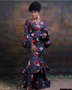 African print v-neck dress,African long sleeved dress,African maxi dress with flare,African maxi dre African Maxi Dresses, Latest African Fashion Dresses, African Dresses For Women, African Print Fashion, African Attire, African Wear, African Women, African Outfits, African Prints