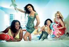 Lea Michele, Dianna Agron, Amber Riley and Jenna Ushkowitz / Glee Girls pour Glamour May 2010