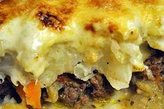 Gratin de chou fleur sur lit de viande hachée http://www.ptitchef.com/recettes/plat/gratin-de-chou-fleur-sur-lit-de-viande-hachee-fid-1097527