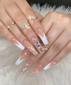 In seek out some nail designs and ideas for your nails? Listed here is our set of must-try coffin acrylic nails for fashionable women. Ongles Bling Bling, Rhinestone Nails, Bling Nails, Gold Nails, Swag Nails, Swarovski Nails, Stiletto Nails, Gold Nail Designs, Acrylic Nail Designs