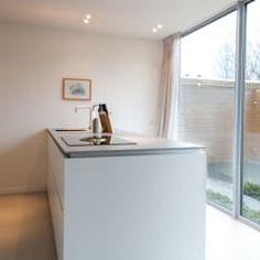 Moderne Küche Grau Weiß Verschiedene Nuancen Kombinieren Ein Einheitliches  Gestaltungskonzept | Küche Möbel   Küchen   Kücheninsel | Pinterest |  Einrichtung ...