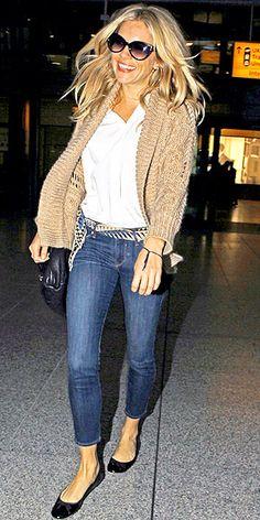 Sienna Miller ~ skinny cropped jeans, cozy tan cardigan & black flats