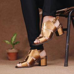 Sandalia Salto Grosso Medio Bronze - Siena - 400-22 Azul Anil, Siena, Character Shoes, Dance Shoes, Bronze, Fashion, Open Toe, Shoes Sport, Buy Shoes