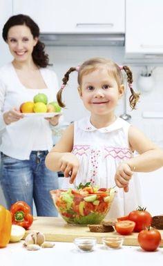 Alimentação saudável: rotina e alimentos variados ajudam educar crianças http://baronisalsa.com.br/alimentacao-saudavel-rotina-e-alimentos-variados-ajudam-educar-criancas/