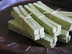 handgemaakte natuurlijke zeep - homemade natural soap by ELSJE vermunt, via Behance