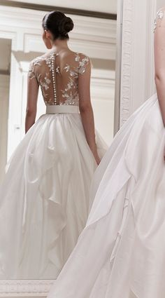 look at the back of this dress - Zuhair Murad wedding dress 2012