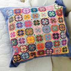 Discover thousands of images about Cushion Cross Stitch Pillow, Cross Stitch Borders, Cross Stitching, Cross Stitch Embroidery, Hand Embroidery, Cross Stitch Patterns, Embroidery Patterns Free, Beading Patterns, Embroidery Designs