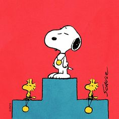 Gold medals all around🏅 Snoopy The Dog, Snoopy Cartoon, Peanuts Cartoon, Snoopy Love, Peanuts Snoopy, Peanuts Comics, Charlie Brown Christmas, Charlie Brown And Snoopy, Cartoon Network Adventure Time