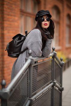 #redlips #fashion #hat #bacpack #cardigan #ootd #streetstyle #streetfashion #grey