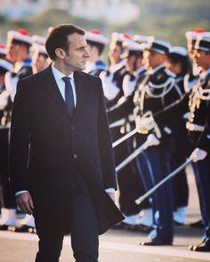 Le président de la République, Emmanuel Macron, était à Toulon pour présenter ses vœux aux armées French President, Emmanuel Macron, Schools, Politics, Presidents, France, Toulon, School, Political Books