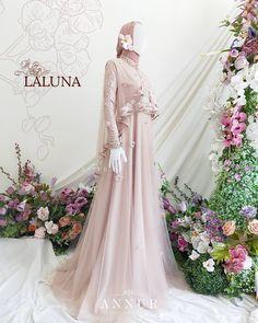 "GAUN MUSLIMAH JOGJA on Instagram: ""✨EXCLUSIVE DRESS✨ _LALUNA_ Exclusive dress dengan lace motif embroidery. Aksen cape bergelombang pada badan dipercantik dengan lis bisban…"" Hijab Dress, Dresses, Vestidos, Dress, Gown, Outfits, Dressy Outfits"