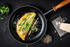 Try Asparagus soufflé omelette by FOOBY now. Or discover other delicious recipes from our category breakfast. Cooking With Kids, Cooking Time, Omelette Recipe, Creamed Eggs, Asparagus Recipe, Food Trends, Food Print, New Recipes, Grilling