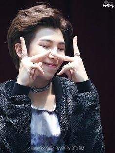 His chokerrrrrrrrr hes so cute but Seokjin, Kim Namjoon, Jimin, Bts Bangtan Boy, Hip Hop, Foto Bts, K Pop, Jung Hoseok, Love Yourself 轉 Tear