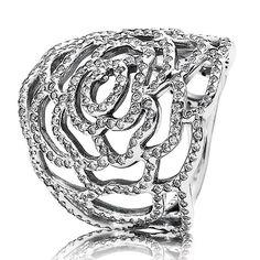 PANDORA Shimmering Rose Ring
