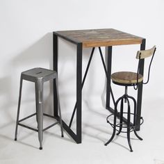 Table haute industrielle mange debout loft pas chere et for Table a diner industrielle