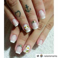 Oi, gatinhas! Hoje nós vamos ver unhas artísticas com desenho de pincel. Meu Deus, mas é cada designer de unhas que faz cada desenho de ficar apaixonada! é Cada flor, cada desenho lindo! Veja as fotos que você vai se inspirar nas lindas unhas artísticas. São desenhos tão lindos que você até acha que é… Beauty, Elegant Nails, Work Nails, Nailed It, Nice Nails, Nail Design, Art Nails, Brush Pen, Designed Nails