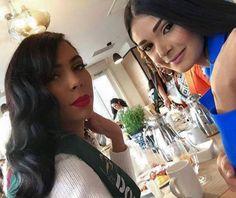 Andrea Rosales Miss Venezuela posando junto a Miss Dominican Republic para los Seguidores de las Redes Sociales en el Miss Earth 2015,