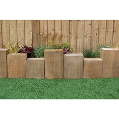 Extra thick assembled block border edging with 3 different height blocks fixed to a flexible backing strap. Backyard Garden Landscape, Small Backyard Landscaping, Cheap Landscaping Ideas, Tiered Garden, Wooden Garden, Garden Border Edging, Lawn Edging, Border Edging Ideas, Wood Edging