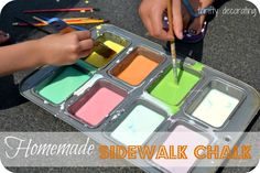 DIY sidewalk chalk- All that you need is cornstarch and water. Homemade Sidewalk Chalk, Sidewalk Chalk Paint, Make Chalk Paint, Craft Projects For Kids, Diy For Kids, Kids Crafts, Art Projects, Activities To Do With Toddlers, Kid Activities