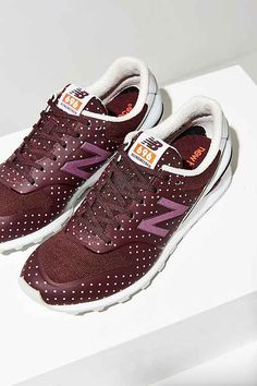 these burgundy and pink polka dot new balance sneakers/trainers are PERFECT for helping you achieve your new years resolution