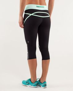 Lululemon Run:  Pace Crop - Black / Petit Dot Fresh Teal / Fresh Teal Size 12