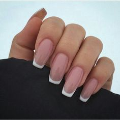 How to choose your fake nails? - My Nails French Tip Acrylic Nails, French Tip Nail Designs, White Tip Nails, French Manicure Nails, Long French Nails, White French Nails, Acrylic White Tips, French Tip Toes, French Tip Design