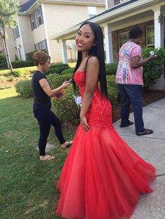 13 More Amazing 2015 Prom Dresses You Need To See - NoWayGirl