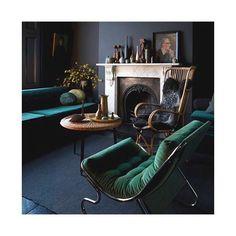 Le fauteuil en velours matelassé qui vous met la tête à l'en(vert) Source : ©Graham Atkins-Hughes #cocon #hiver #winterhome #deco #weekend #instadeco