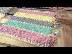 croche tunisiano ponto esteira tutorial marly thibes, related videos and comments Crochet Mat, Manta Crochet, Crochet Lampshade, Painting Carpet, Hallway Carpet Runners, Crochet Decoration, Beige Carpet, Bedroom Carpet, Decorative Pillows