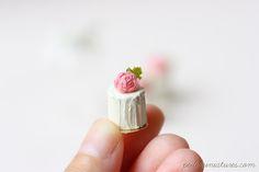 Dollhouse Miniatures, Miniature Food Jewelry, Craft Classes: Vanilla Rose Buttercream Dollhouse Miniature Cakes