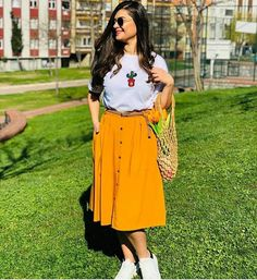Modest Dresses, Modest Outfits, Skirt Outfits, Teen Fashion Outfits, Modest Fashion, Look Fashion, Dressy Casual Outfits, Chic Outfits, Gown Dress Design