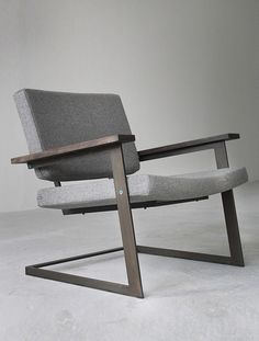 This chair looks very comfy, and the angles look awesome.