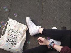 """Turnbeutel mit Typo und bunten Konfetti- Punkten / hipster gym bag, """"confetti ist always the answer"""" by KitschUndKrempel via DaWanda.com"""