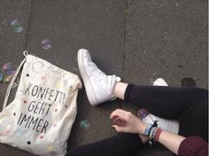 "Turnbeutel mit Typo und bunten Konfetti- Punkten / hipster gym bag, ""confetti ist always the answer"" by KitschUndKrempel via DaWanda.com"