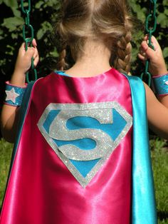 Sparkle SUPERGIRL Hero Cape includes sparkle cuffs customize with your childs initial Girl Superhero Party, Superhero Capes, Girls Cape, Wonder Woman Party, Kids Dress Up, Hero Girl, Maquillage Halloween, Super Party, Super Hero Costumes