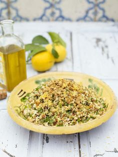 With a whole load of extra grains, textures and flavours in it, this is so much more than just another boring old rice salad. This dish can easily be prepared ahead of time and then just topped with the warm oats at the last minute.