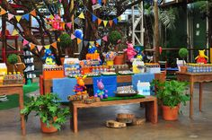 Ideia para festa do tema backyardigans - Por  Blog Dádiva de mãe Dora The Explorer, Diy Party, Party Themes, Backdrops, Planter Pots, 1, Baby Shower, Invitations, Activities