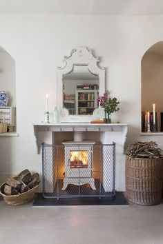 Six Stylish and Safe Ways To Dress Your Fireplace The Farmhouse Fireplace Screens, Modern Fireplace Screen, Stained Glass Fireplace Screen, Decorative Fireplace Screens, Modern Fireplace Tools, Fireplace Glass Doors, Wood Burning Fireplace Inserts, Classic Fireplace, Fireplace Cover