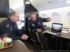 Exclusif - Dans son avion personnel, un Dassault Falcon 7 X de dernière…