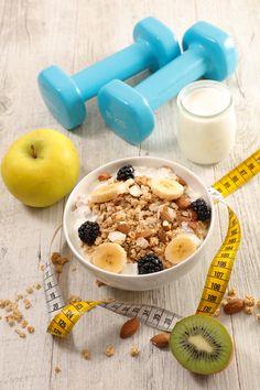 La pratique d'un sport avant le petit-déjeuner serait le moment à favoriser pour brûler plus de graisses et pour un meilleur contrôle de la glycémie. 🏃♀️ #sport #petitdéjeuner #glycémie #diabète #graisses #surpoids #pertedepoids #obésité #régime #diététique #healthy #nutrition #santé Moment, Nutrition, Sport, Breakfast, Food, Fat, Morning Breakfast, Custom In, Morning Coffee
