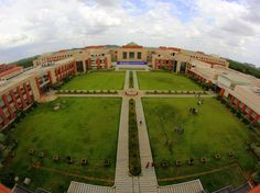 Out of the more than 180,000 people that apply to BITS Pilani each year to be first-year undergrads — primarily in engineering and the sciences — only around 2,600 people get accepted.