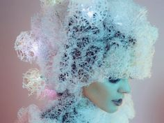 This 3D-Printed Headpiece Changes Color to Reflect Your Mood | Ecouterre