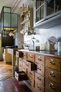 Rustic Farmhouse Kitchen 2019 & DIY Kitchen Storage and Organization Ideas Adorable Rustic Farmhouse Kitchen 2019 & DIY Kitchen Storage and Organization Ideas source link Steampunk Kitchen, Kitchen Utensil Storage, Rustic Kitchen Cabinets, Kitchen Drawers, Kitchen Island, Kitchen Corner, Wood Drawers, Small Drawers, Kitchen Units