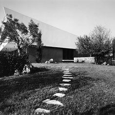 Vikelas Achitects (@vikelas_architects) • Φωτογραφίες και βίντεο στο Instagram Design Firms, Greece, Sidewalk, Modernism, Architecture, Projects, Instagram, Greece Country, Arquitetura