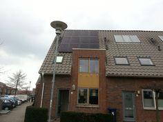 Wateringen - Venenwijk. 12x Yingli 255Wp mono black met micro omvormers
