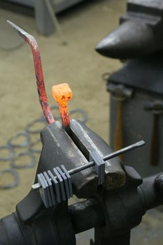 This is absolutely amazing.Vise spacers used to be individual spacers varying by 1/8 inch. This is incredible. Historically, blacksmiths are brilliant people.