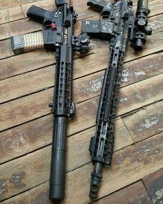 Business end of two of my favorite ARs. #gunsdaily #weaponsdaily #sickguns #merica #machinegun #patriot #AR15 #everydaycarry #igmilitia #everydaydump #alexandryandesign #pistol #weapon #glock #2a #gun #handgun #2ndamendment #DTOM #assaultrifle #guns #gunporn #rifleholics #rifle #sickgunsallday #556 #Калашников #usa #freedom #weapons Alexandryandesign.com