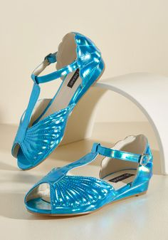 You Mermaid My Day Vegan Flat in Ocean. Make everyone's day with your sense of whimsy by wearing these iridescent turquoise flats! Pink Flats, Blue Shoes, Blue Sandals, Strappy Sandals, Psychobilly, Creepy, Grunge, Slingback Flats, Vegan Shoes